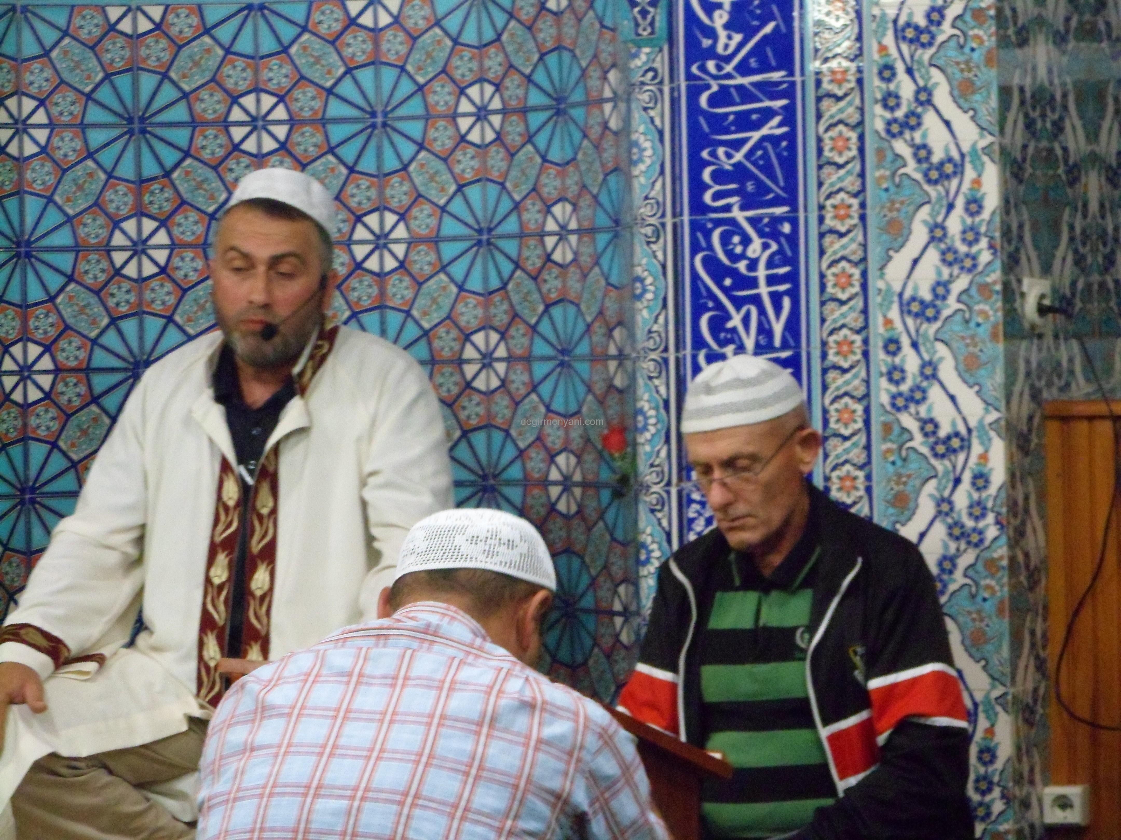 Korucu Dağ Mahalle Camii