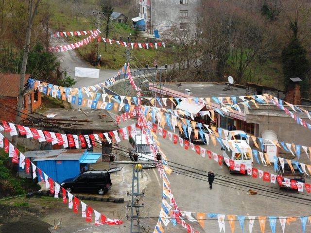 Adacık'da Bayrak Yarışı