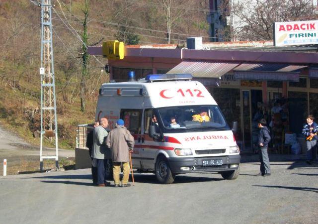 Ambulansla Hastaneye Kaldırıldı