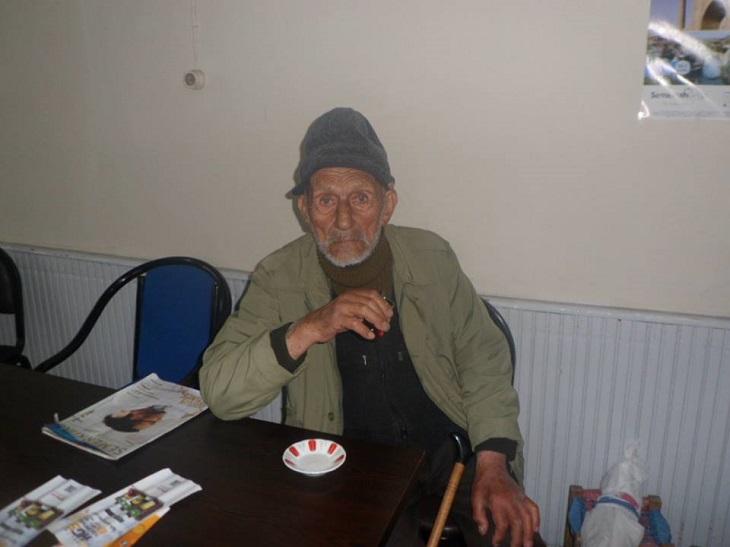 Yaşlı Çınar Hastanede Yatıyor