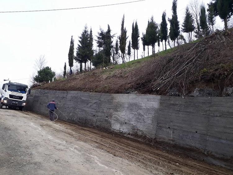 Korucu'da Mezarlık Duvarı Yapıldı