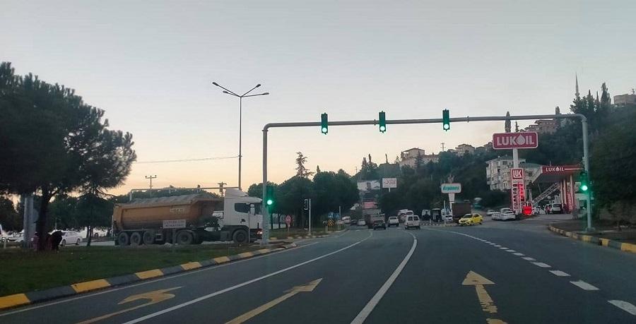 Kavşağa Trafik Lambası Takıldı